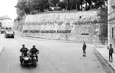 Smrt fašizmu, Sloboda narodu!