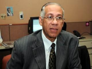 Fidias retira aspiraciones LMD y apoya Jhonny Jones