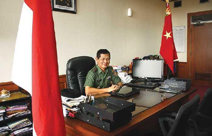 William Bukan Yang Pertama Warga Tionghoa Masuk Akmil / Akabri
