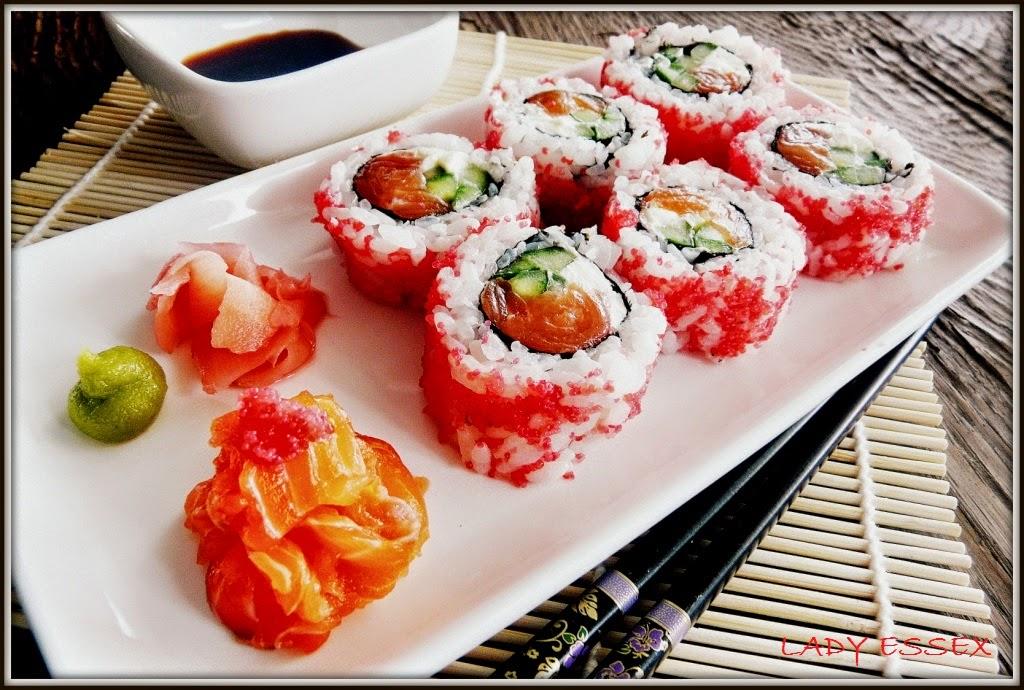 Sake uramaki sushi