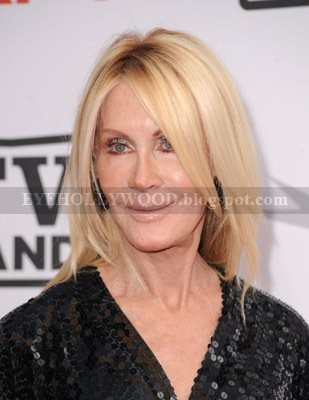 Joan Van Ark