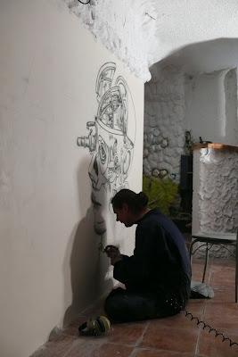 Najlepszy klub w Płocku Arctica, Malowanie grafiti na ścianie, biomechanika