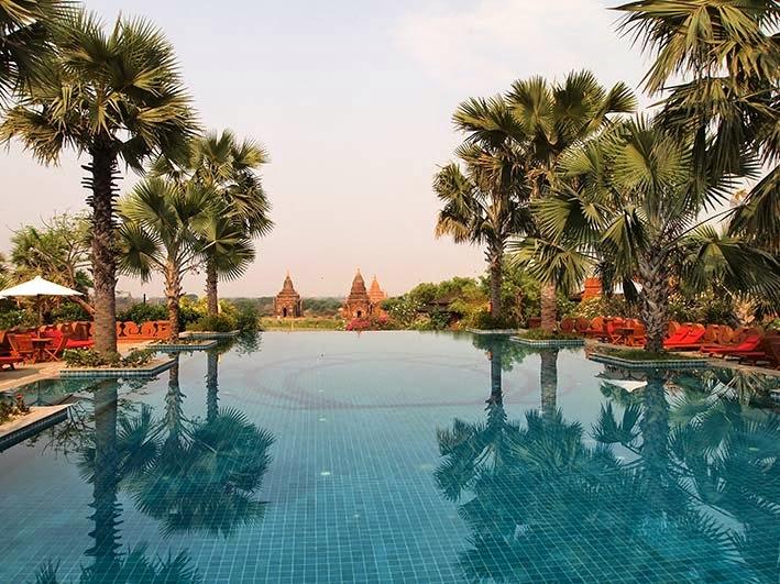 Infinity pool - Aureum Palace hotel, Bagan