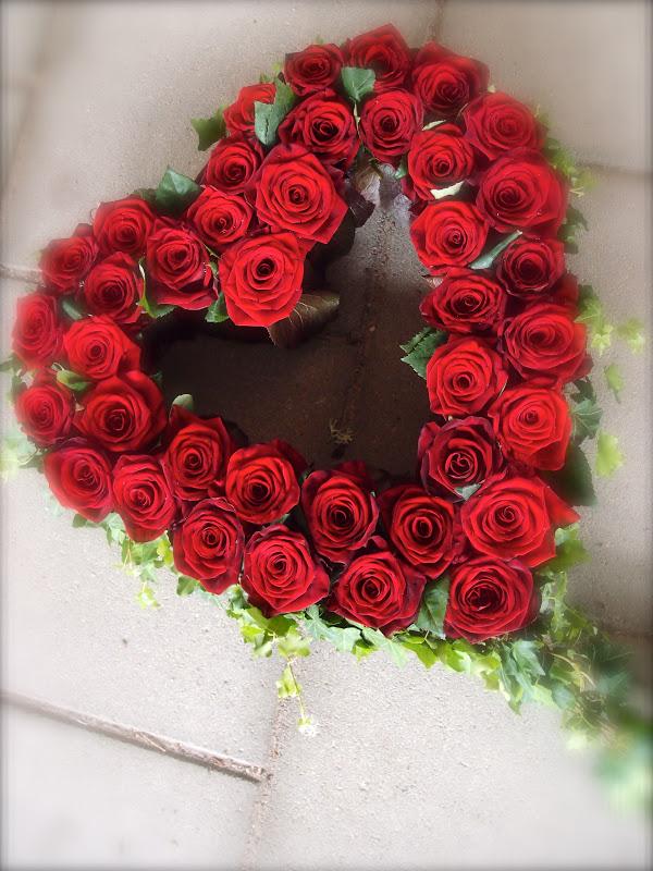 blommor begravning hjärta