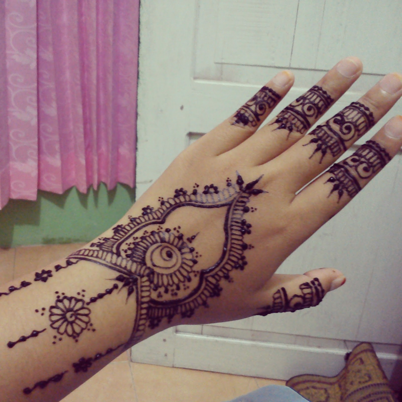 Fira Henna Art HENNA BY FIRA
