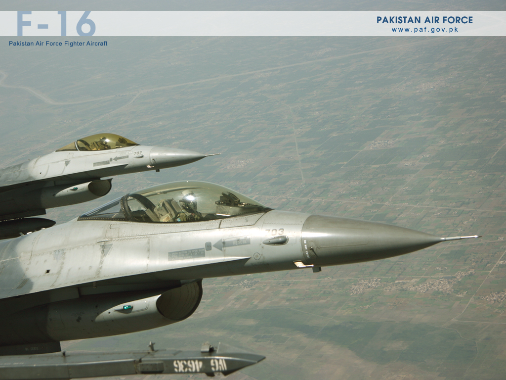 Pakistan Air Force F-16 Formation Wallpaper