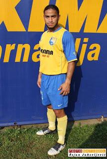 Edward Acevedo anota gol en Bosnia