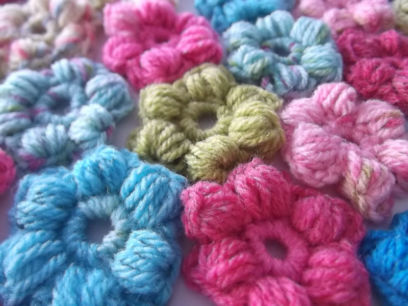 Crochet Flower Puff Pattern : Apple Blossom Dreams: Puff Flower Project #1