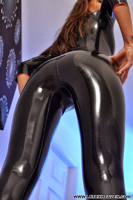 Marta Perfect Ass in Shiny Black Latex Catsuit