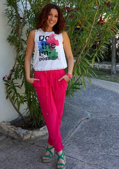 look rosa y colores alegres