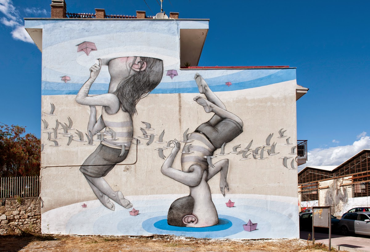 Last seen a few days ago in Rome (Covered), Seth also stopped by the beautiful city of Gaeta to work on this new mural.