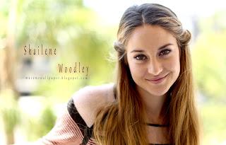 shailane woodley nice smile by macemewallpaper.blogspot.com