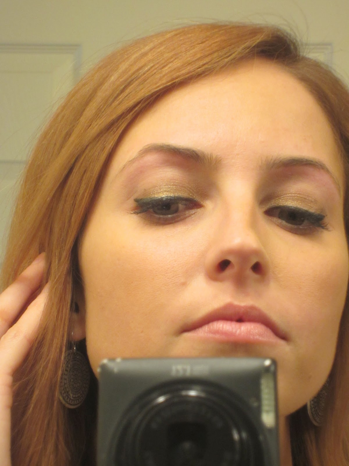 http://4.bp.blogspot.com/-w0L6A7JqKHI/TubyYSM-cmI/AAAAAAAACR8/LVbcz75iC94/s1600/Eyebrow%2BThreading%2BCloseup.jpg