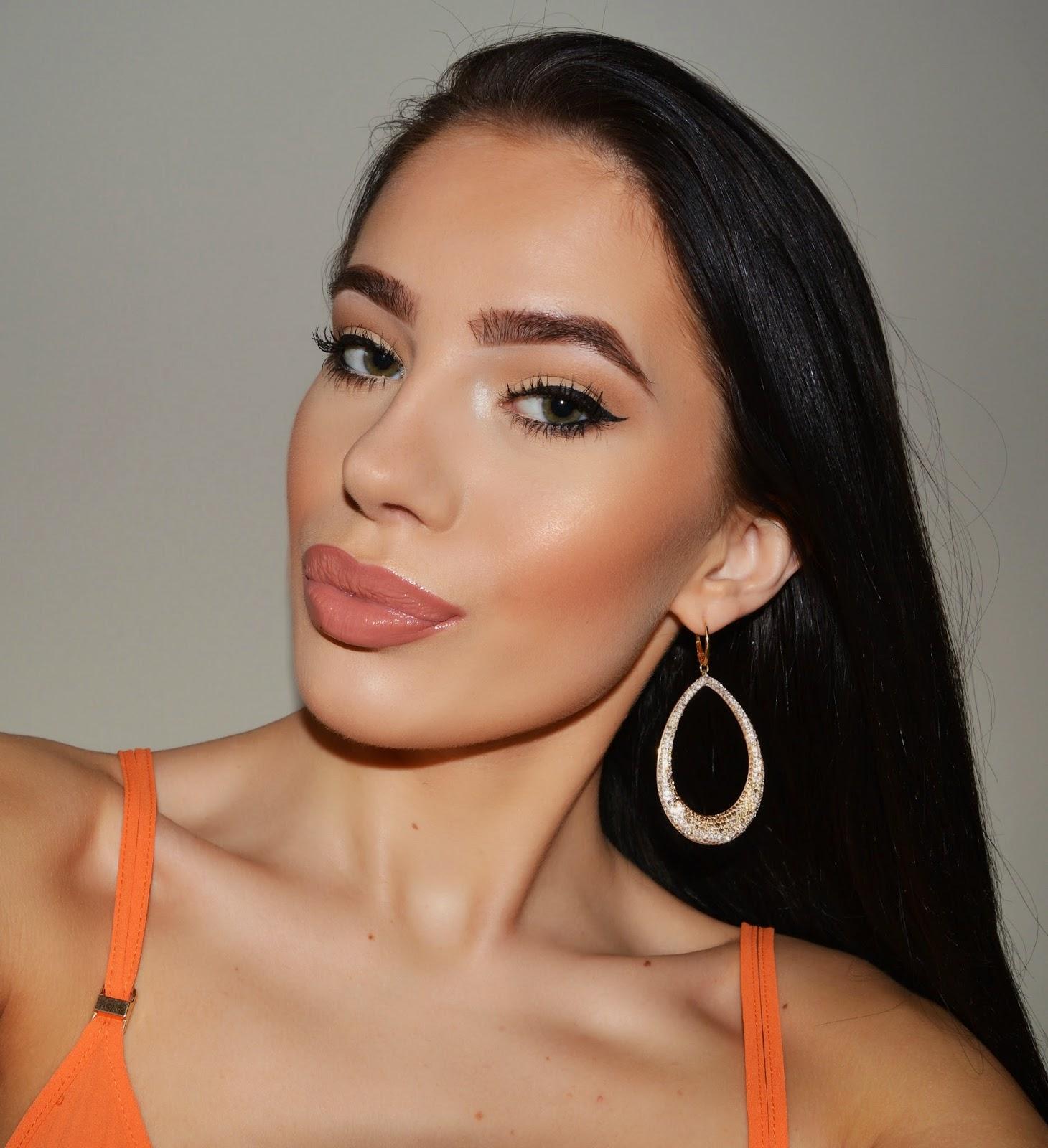 how to make your lips look fuller & bigger | laura badura