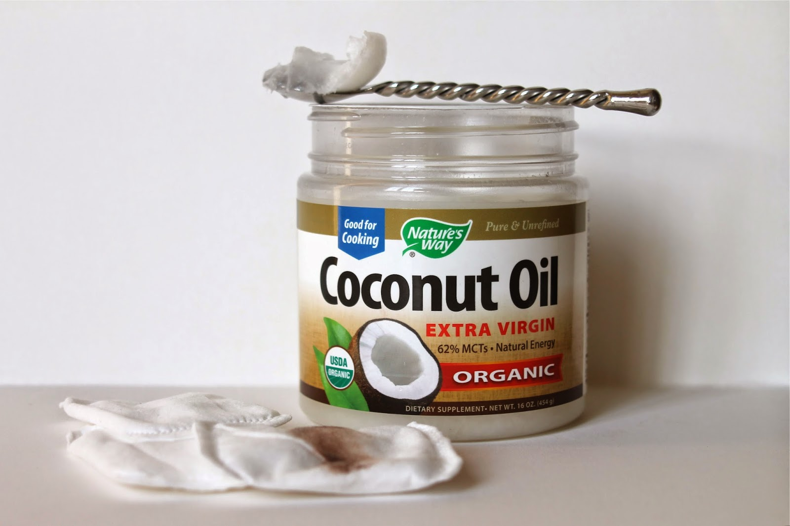 FIVE WAYS I USE COCONUT OIL