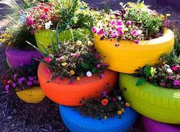 Floreira com Pneus Coloridos