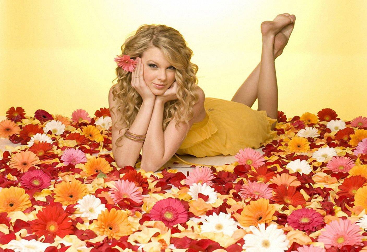 Taylor Swift Feet Education Apps