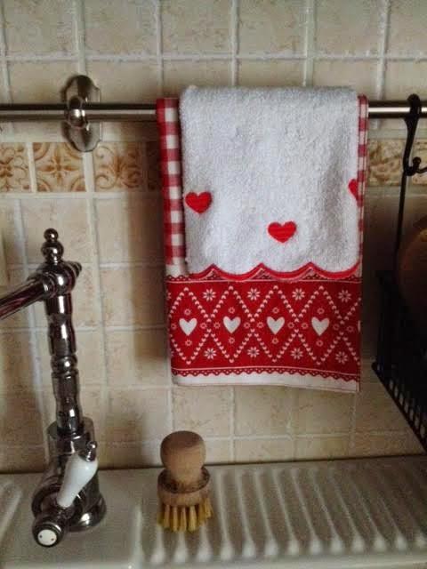 100 love rosso in cucina - Coordinati cucina country ...