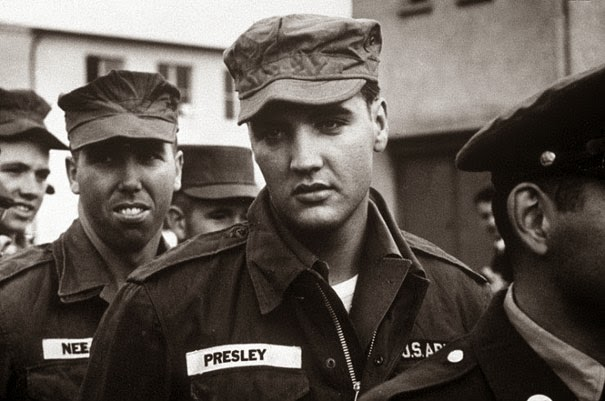 40 Must-See Photos Of The Past - Elvis in the Army, 1958