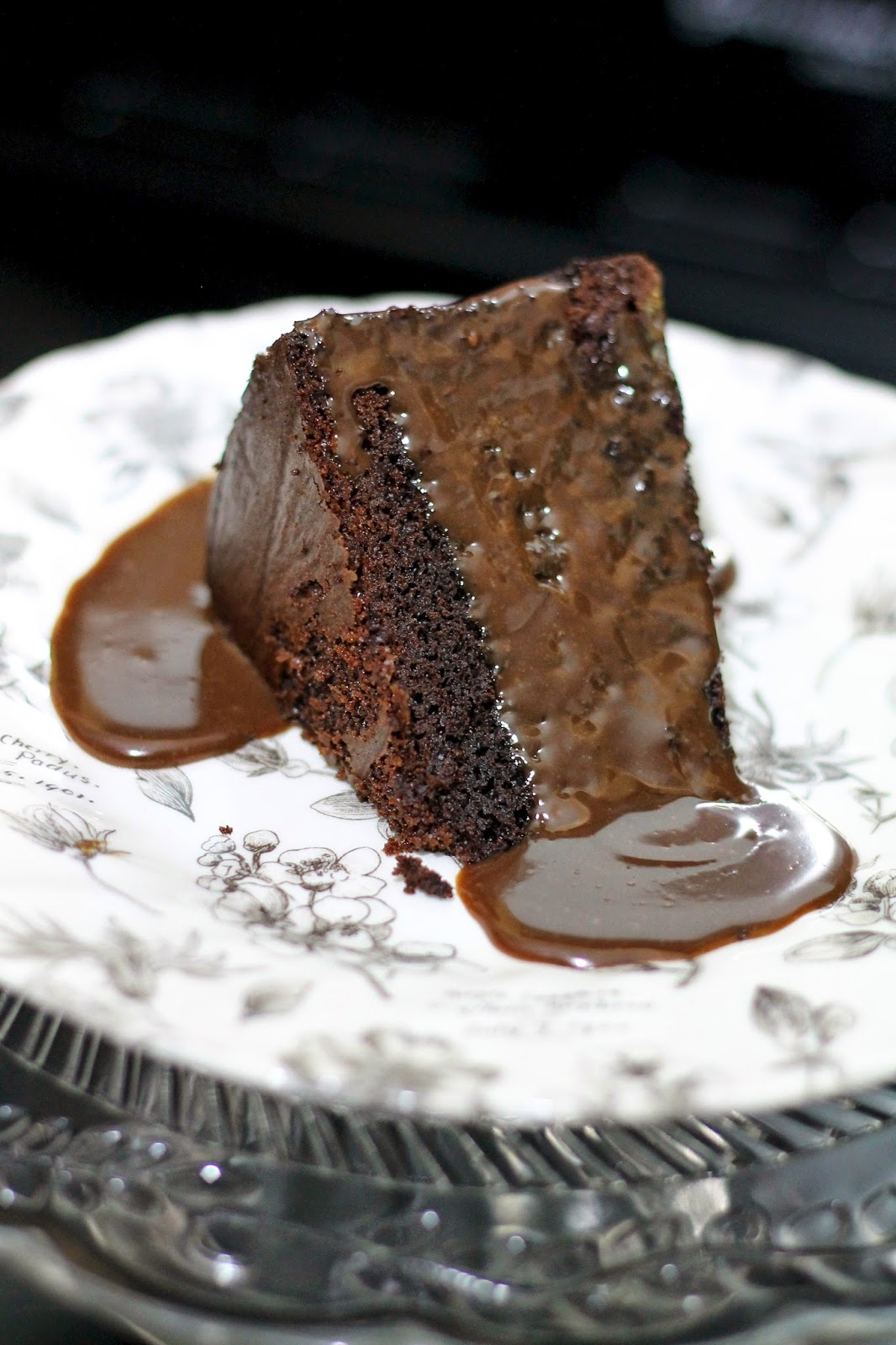 The crafty larder super simple chocolate fudge cake for Simple chocolate fudge cake