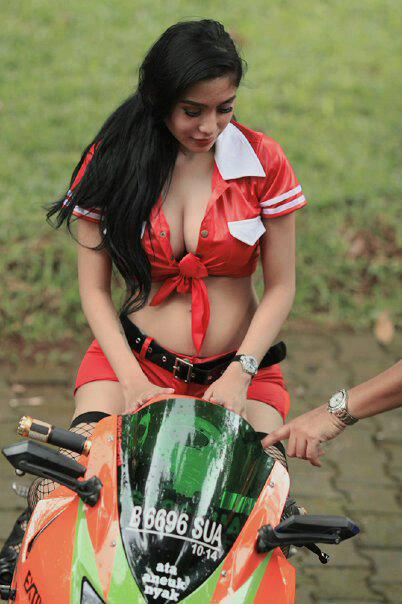Girl on Superbike - Bibie Julius