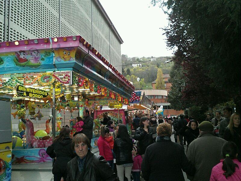 Atracciones ferias en la Corredera , archivo