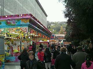 Carruseles y atracciones ubicadas en el centro de la ciudad