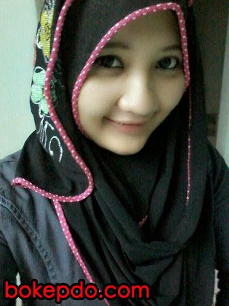 Hijab Bugil