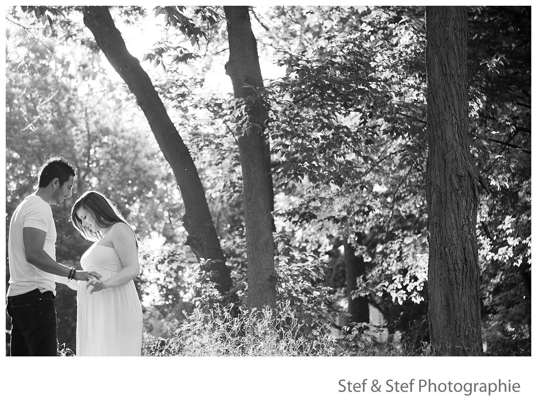photographe maternité noir et blanc