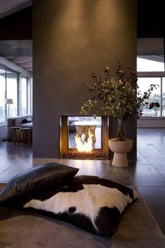 chimenea generadora de espacios con dos aberturas