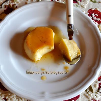 crème caramel al latte di riso, cardamomo e vaniglia