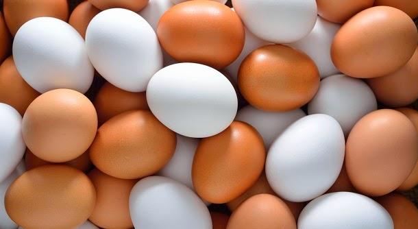 Comer ovos é tão mau para o coração quanto fumar?