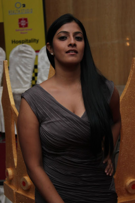 varalakshmi at jk tyre - duchess all women's car rally 2012 prize distribution ceremony hot images