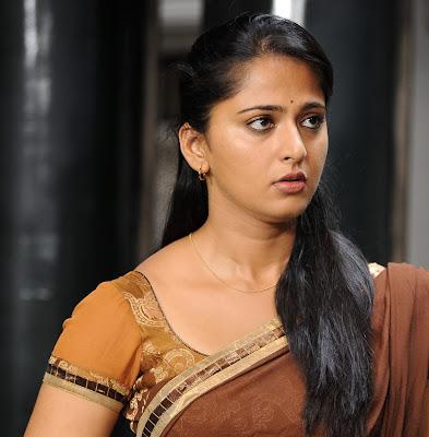 anushka half saree cute stills