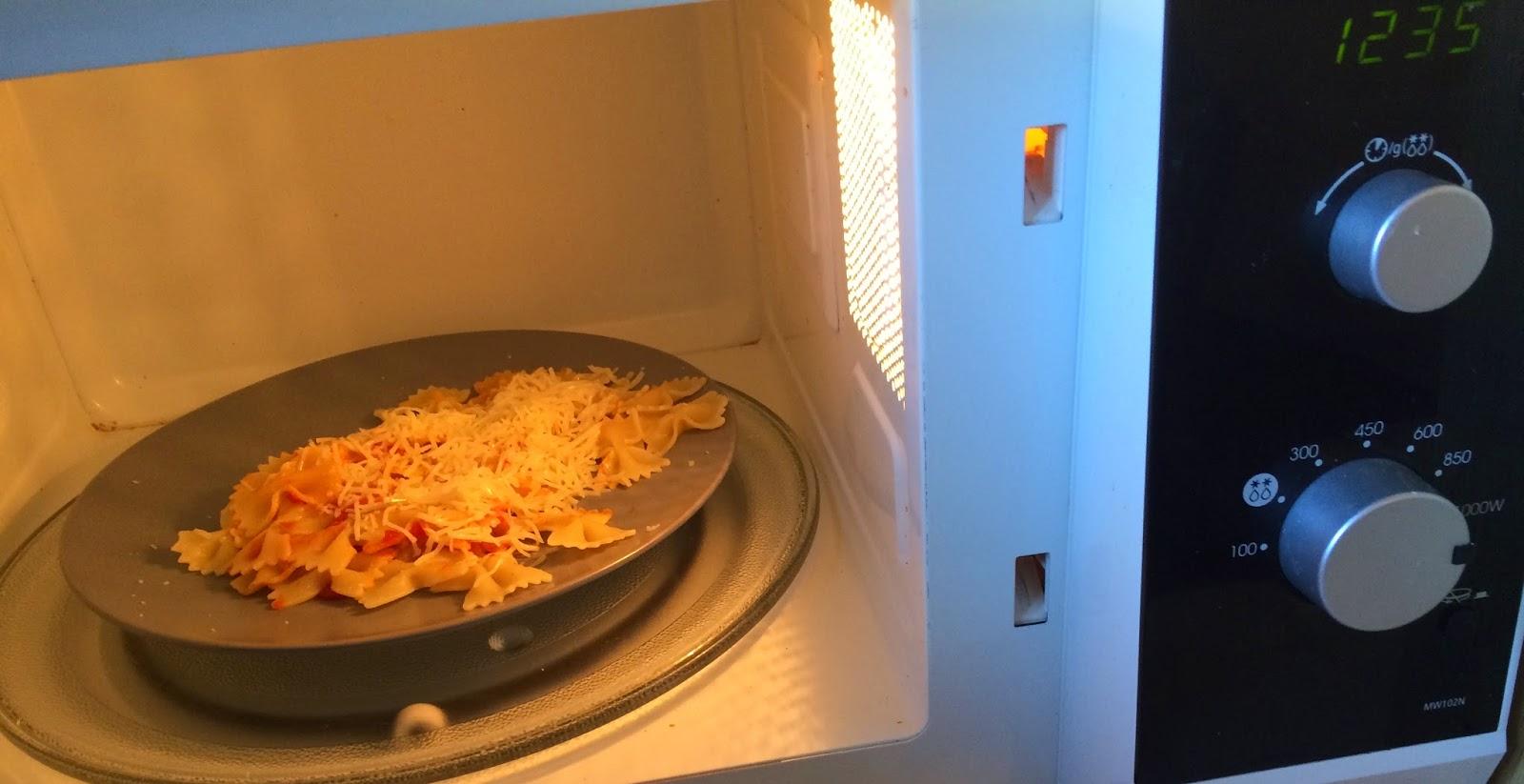 micro-ondes-réchauffage-assiette-babyoles