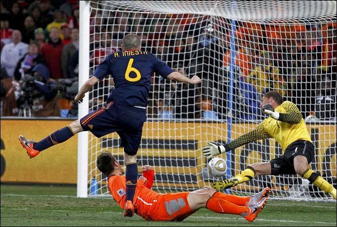 gol de Iniesta final del Mundial 2010 Sudáfrica Watch Spain live online. World Cup Brazil 2014 games free streaming. Best websites for football matches without signing up. España, Espana.