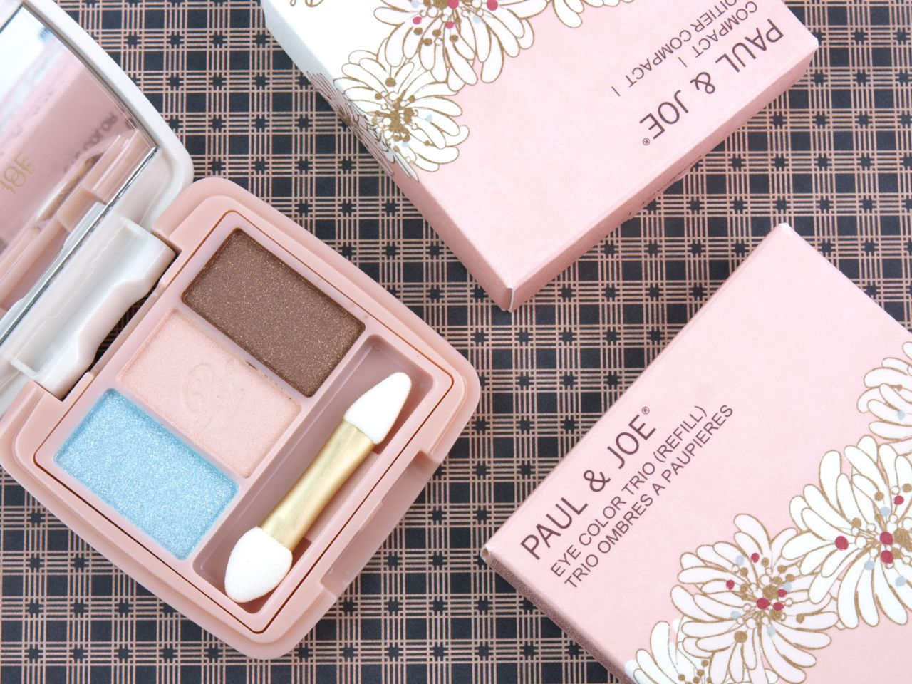 Paul & Joe Eye Color Trio 6 April in Paris & Compact I: Review and Swatches