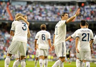 Cristiano+Ronaldo+Real+Madrid+CF+v+Granada+3ytQrVOut ul صور كريستيانو رونالدو مباراة غرناطة الدوري 2012/2013 2 سبتمبر 2012
