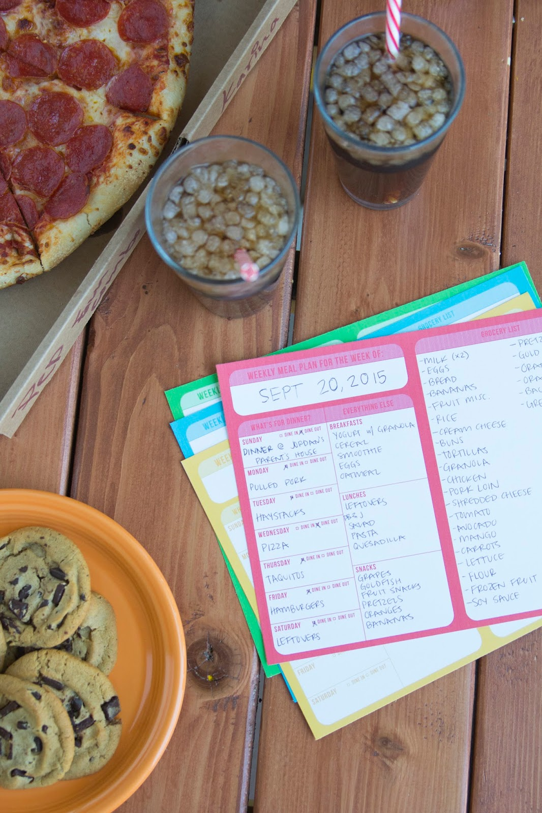 7 tips to help reduce dinnertime stress + free weekly meal planning calendar