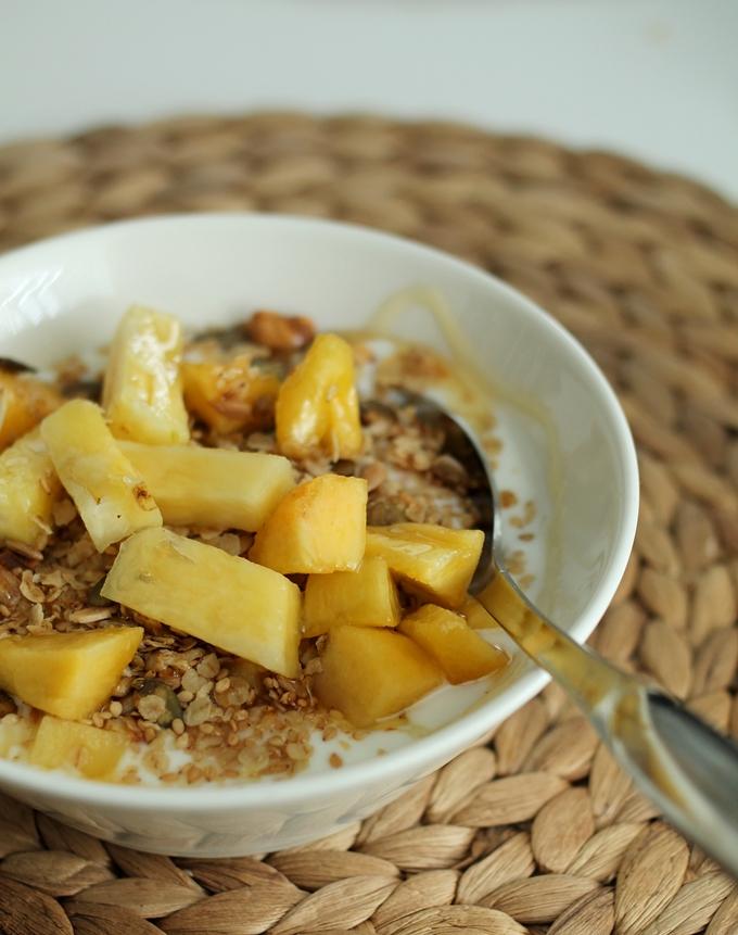 luonnonjugurtti terveellinen aamiainen