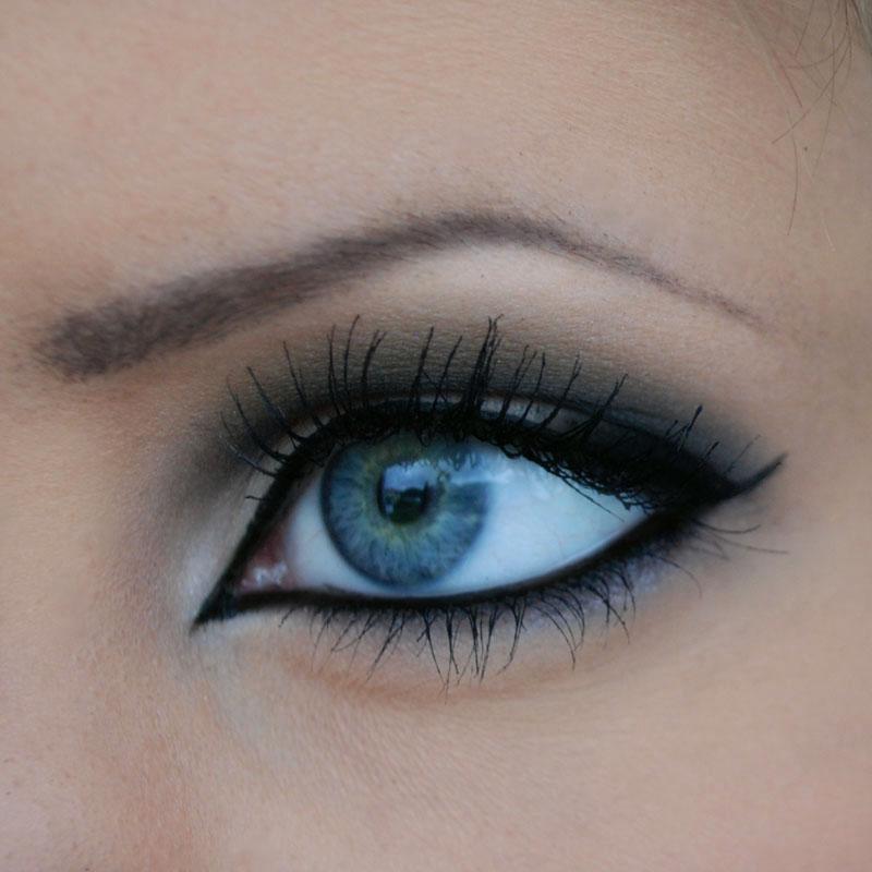 10 formas de maquillarse los ojos for Distintas formas de maquillarse los ojos