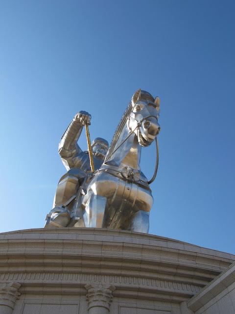 estatua más grande del mundo estatua de Gengis Kan