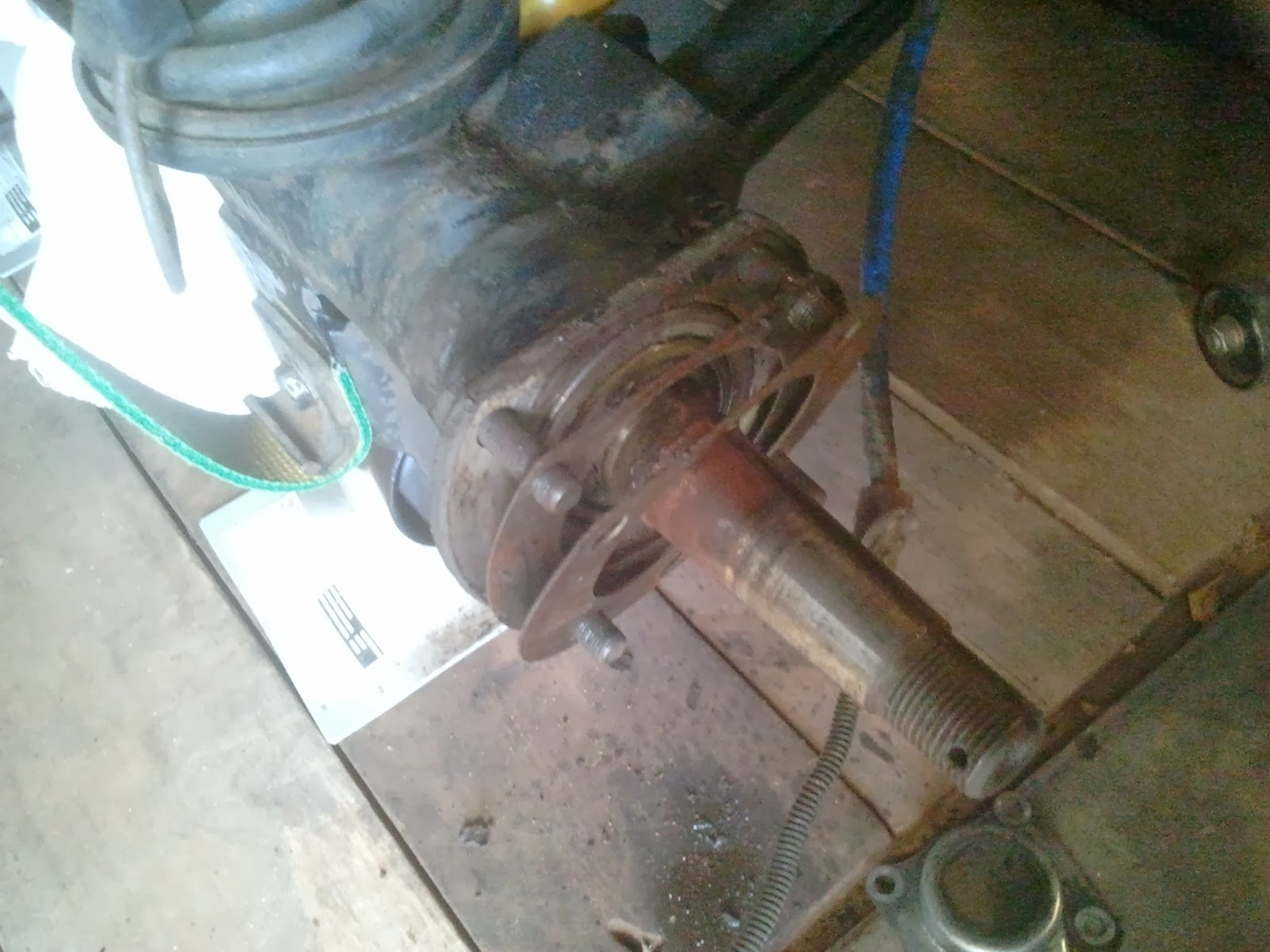 Shims on the Spicer rear axle Volvo Amazon