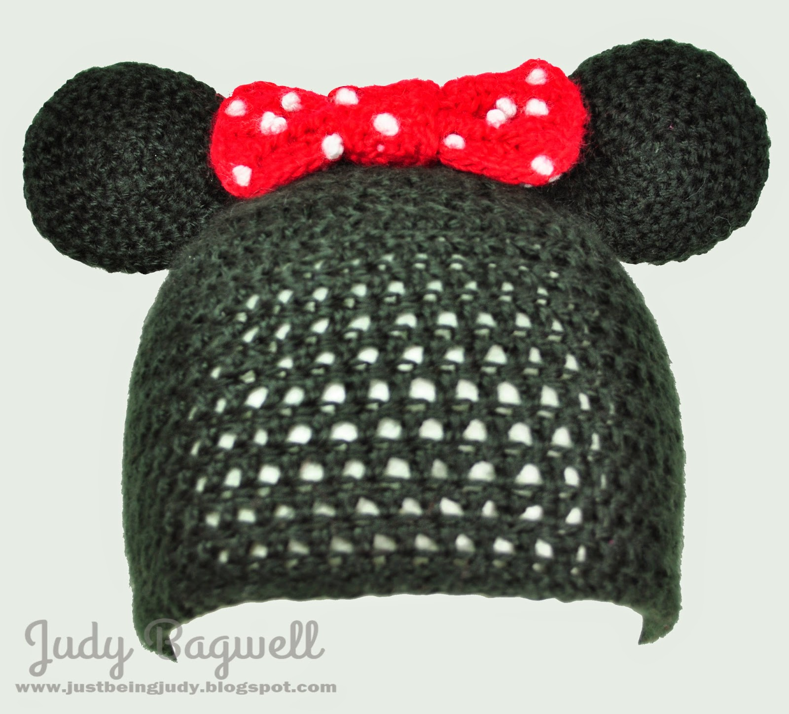 just being Judy: Minnie Mouse crochet hat
