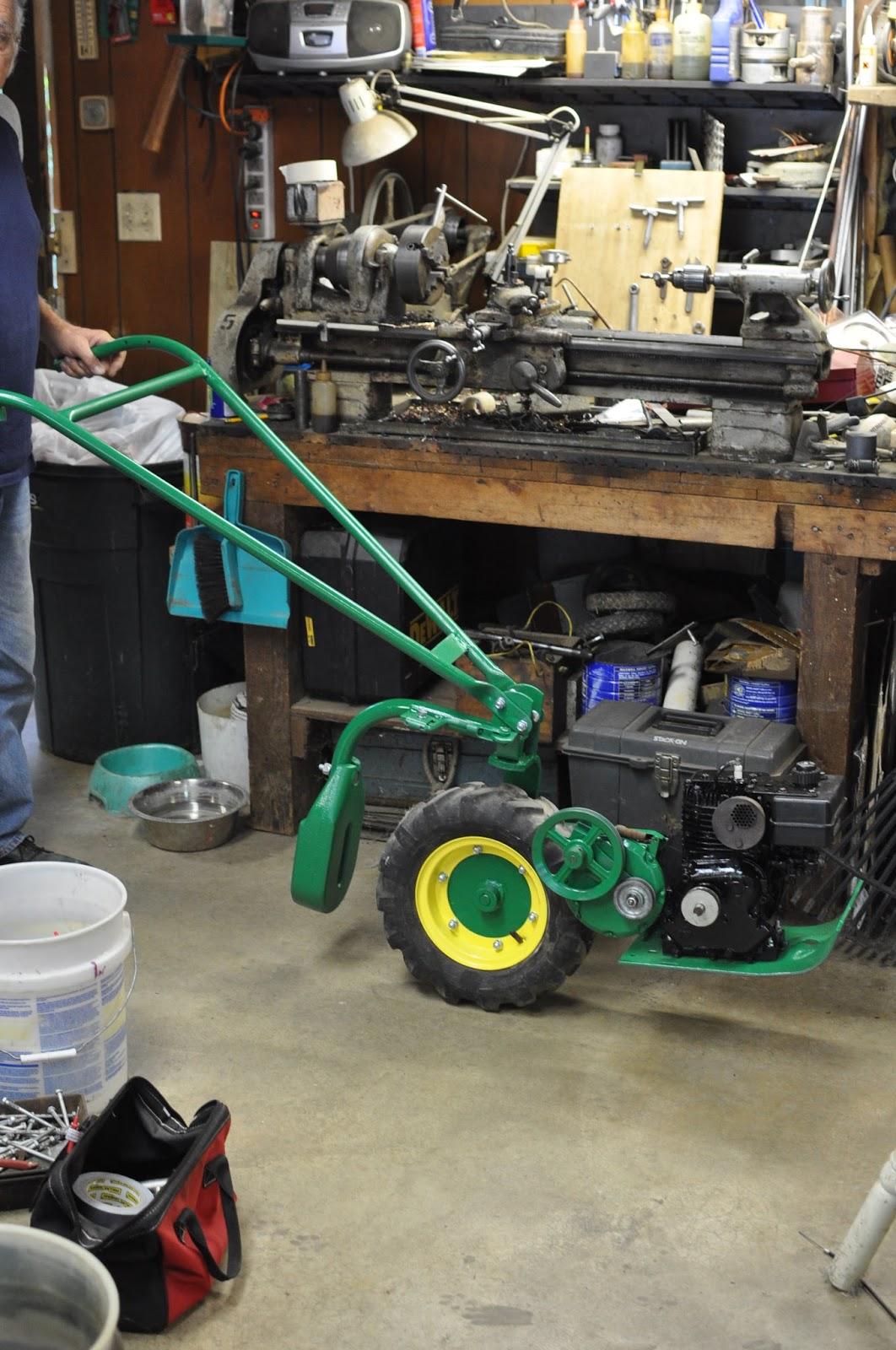 Handverker One Wheel Garden Tractor