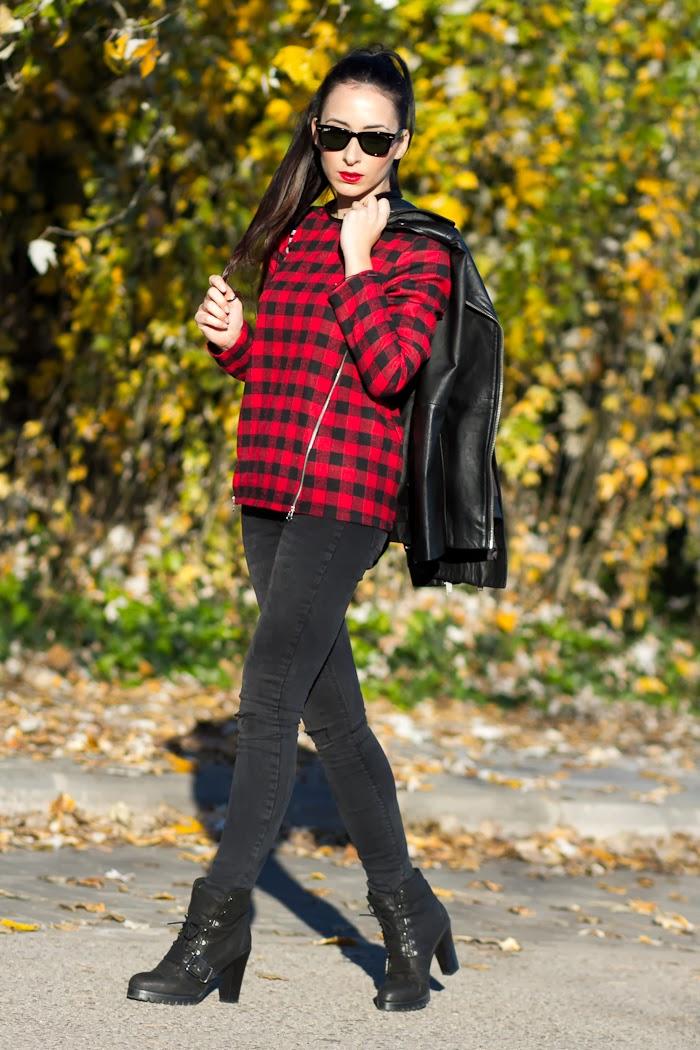 Blog moda Valencia Look estilo rock con blusa de cuadros rojo y negro