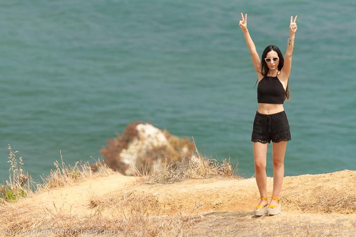 Blogger de moda de Valencia de vacaciones en la playa en Portugal