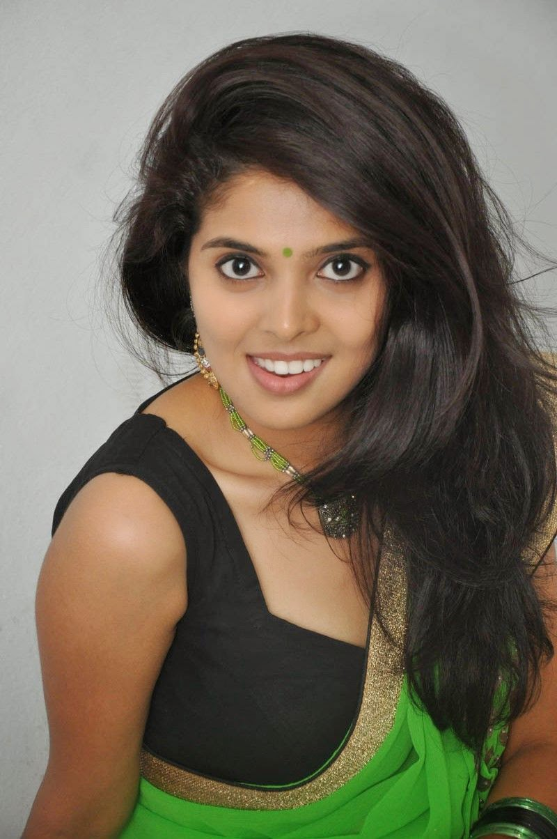 Shravya reddy hot navel show in green saree stills actress shravya reddy hot navel show in green saree stills actress celebrity gallery hd altavistaventures Gallery