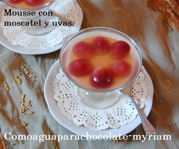 Mousse De Yogurt Con Moscatel Y Uvas.