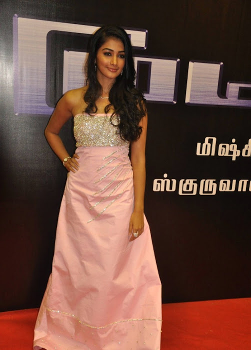 mugamoodi pooja hegde at movie launch actress pics